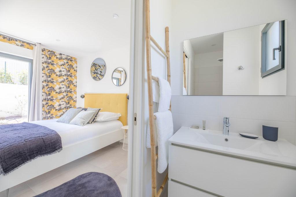Chambre et salle de bain - Villa Alpana 2